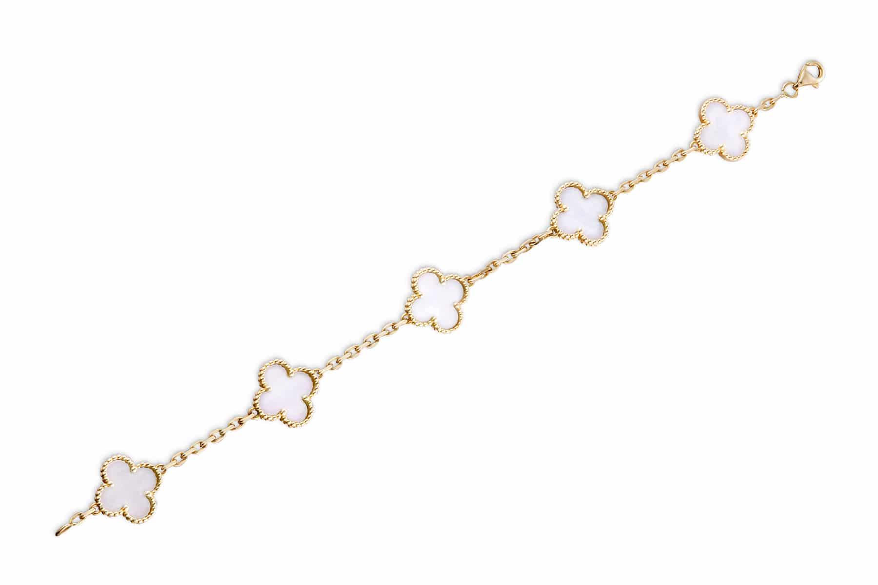 Packshot produit e-commerce bijoux